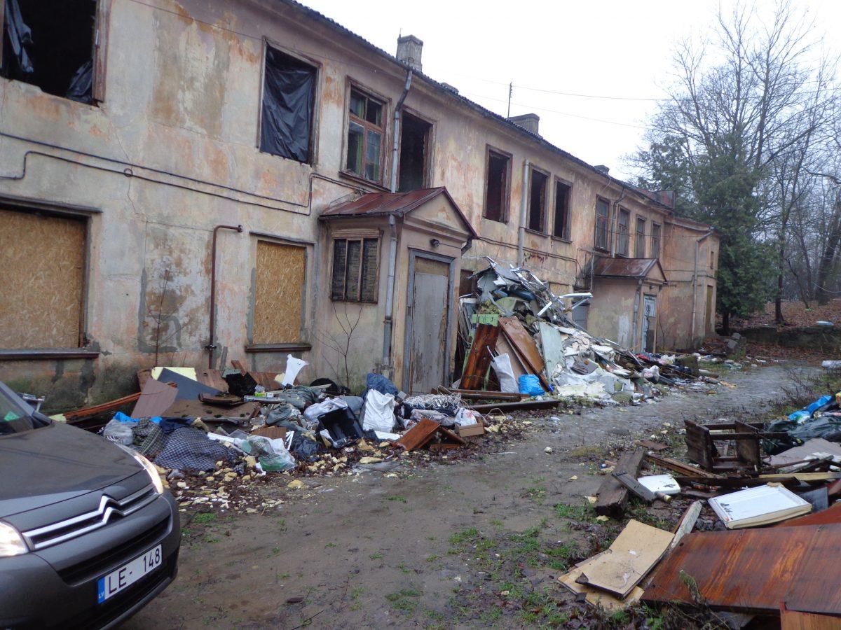 degradētā teritorija Daugavpils ielā 100